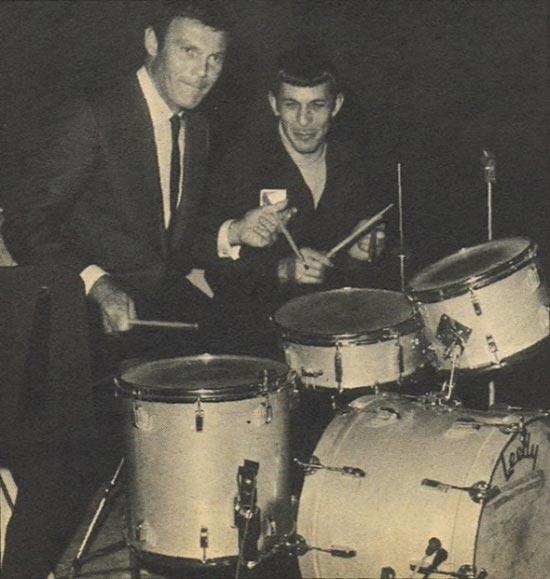 Batman e Spock juntos em uma Jam Session