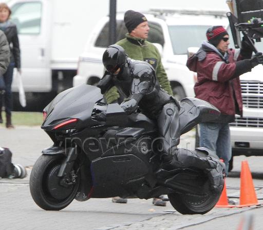 E o novo Robocop vai usar uma moto