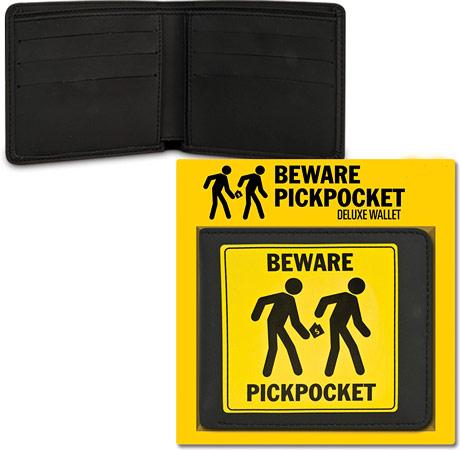 Fique atento com seus Gadgets no metrô pickpocket