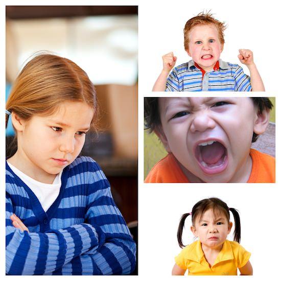 crianças mimadas e berrando