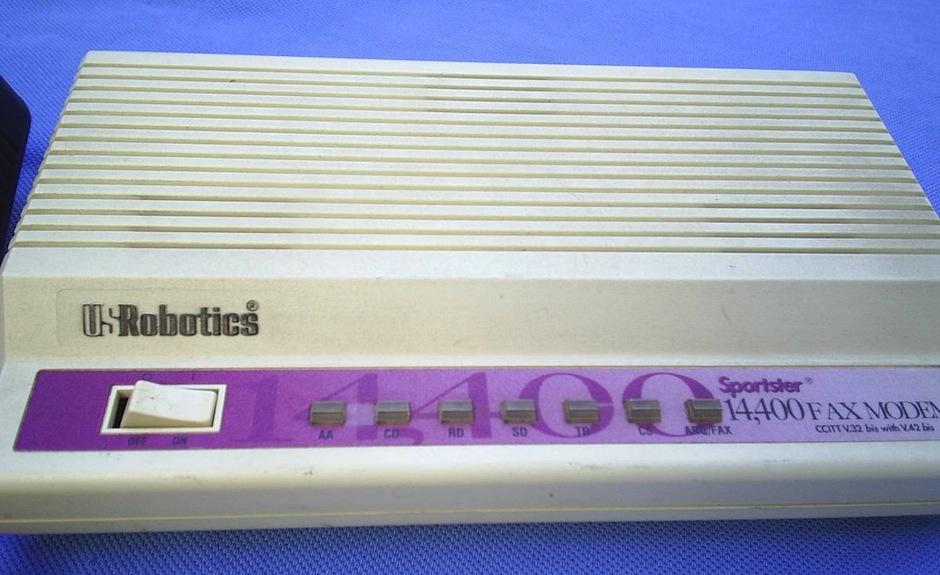 antigo-fax-modem-externo-da-us-robotics-de-14400_MLB-F-4433111443_062013