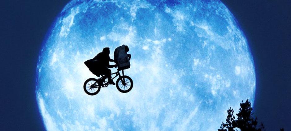 ET bicicleta voando lua