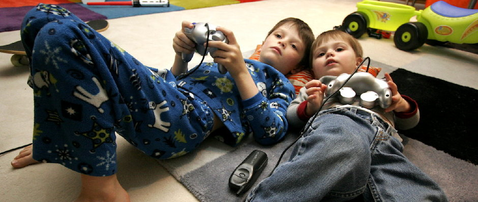 crianças videogame