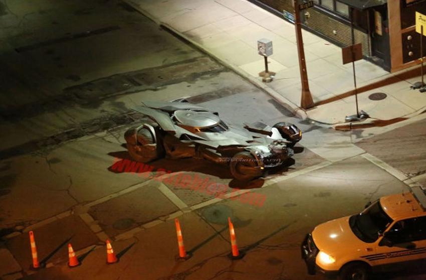 O que fizeram com o Batmóvel   Batman V Superman 04