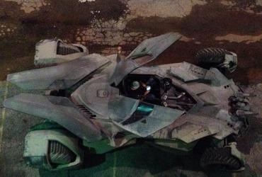 O que fizeram com o Batmóvel | Batman V Superman 01
