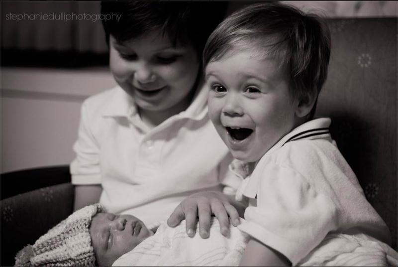 Padawans  vendo seus irmãos recém-nascidos pela primeira vez - 09