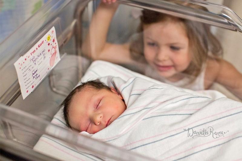 Padawans  vendo seus irmãos recém-nascidos pela primeira vez - 10