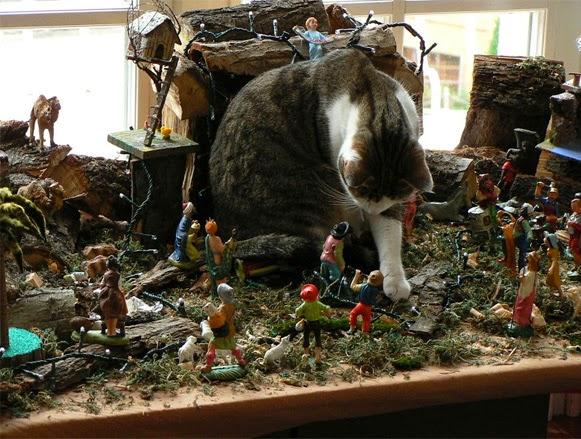 Árvores de Natal vs Animais de Estimação   Quem ganha essa batalha 10