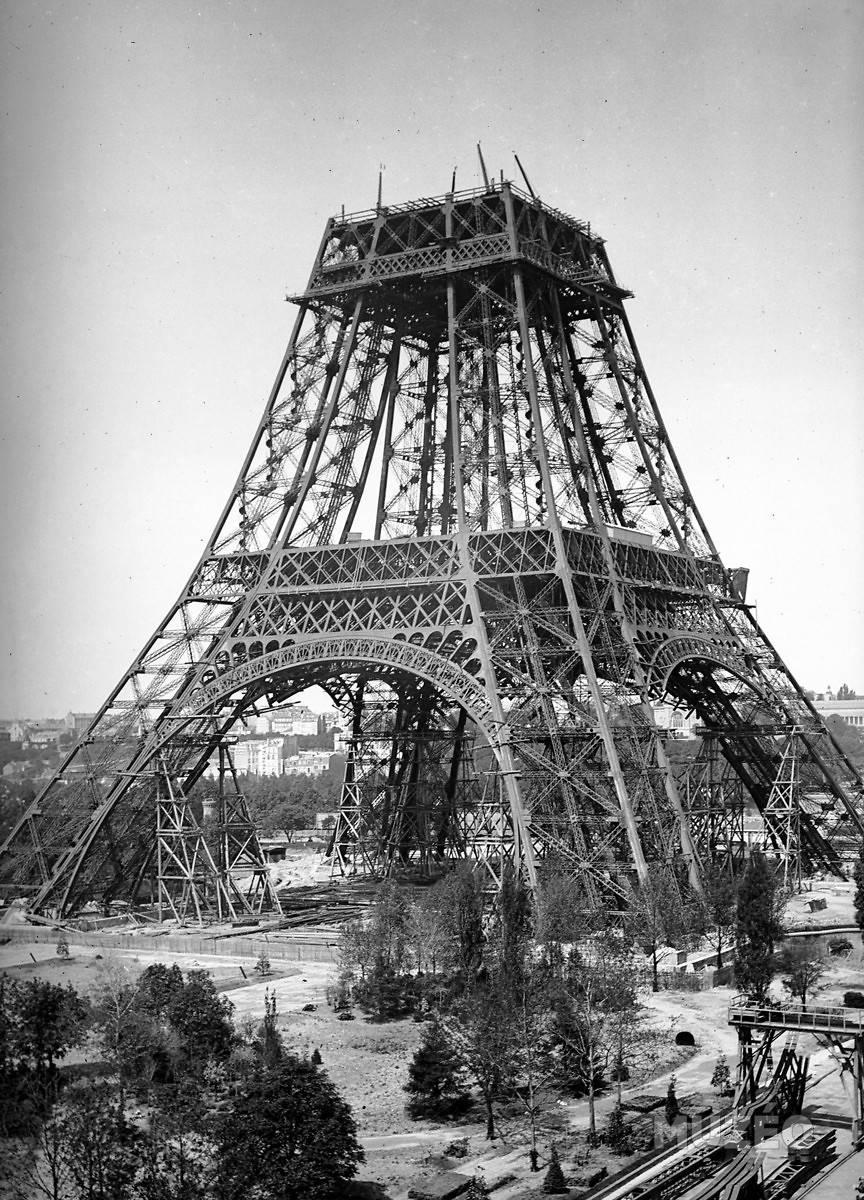 A construção da Torre Eiffel 14