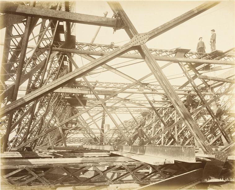 A construção da Torre Eiffel 06