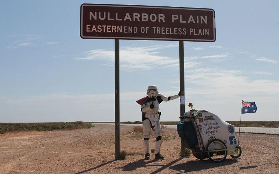 O uniforme dos Stormtroopers são à prova de cobra 01