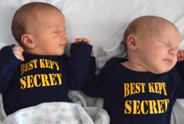 Casal esconde gravidez de gêmeos por 9 meses só para ver a reação dos familiares