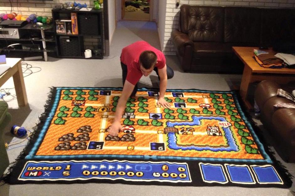 Ser nerd é ficar 06 anos fazendo um tapete de crochê do mapa do Super Mario Bros 04