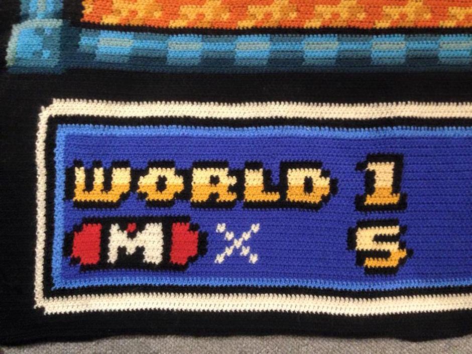 Ser nerd é ficar 06 anos fazendo um tapete de crochê do mapa do Super Mario Bros 05