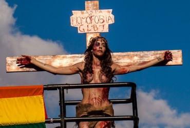 Trans-crucificada--o-que-um-pai-tem-com-isso-2
