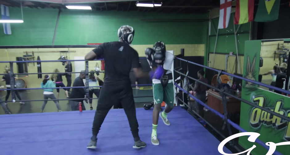 Pai obriga seu Padawan que faz bullying a enfrentar lutador de boxe profissional