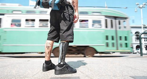 pro?tese moderna perna