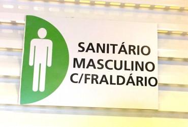 Trocador no banheiro masculino - Eu aprovo