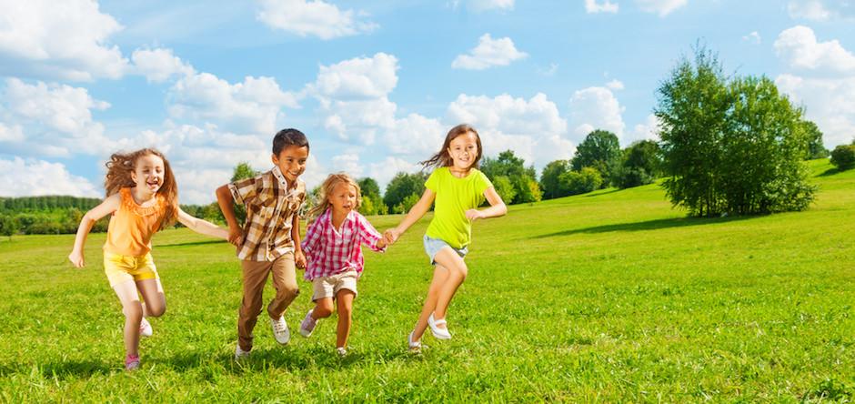 criancas correndo