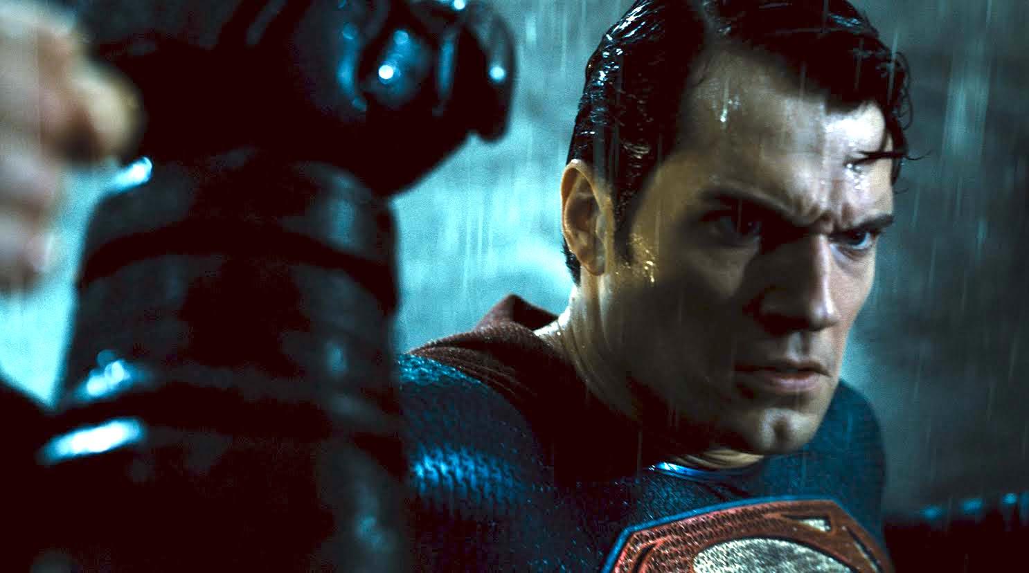 O poder - mal interpretado - da família em Batman VS Superman A Origem da Justiça 01 03