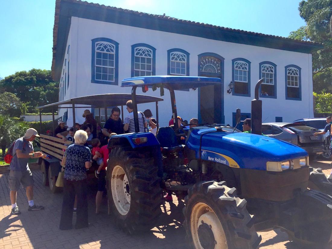 Fazenda Dona Carolina - Itatiba tratora