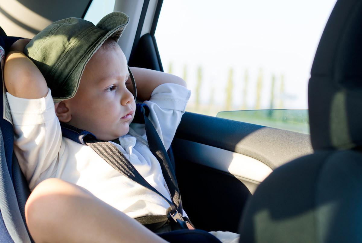 Que tipo de pai se esquece de um bebê dentro do carro 01