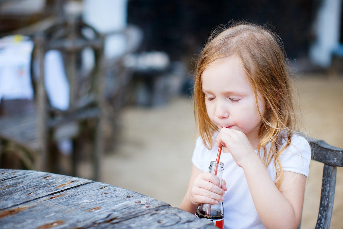Será que proibir refrigerantes nas cantinas escolares é a solução