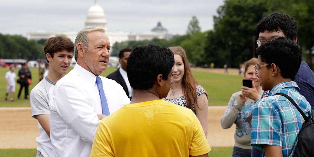 Ex-fótografo de Obama está acompanhando Frank Underwood FU1