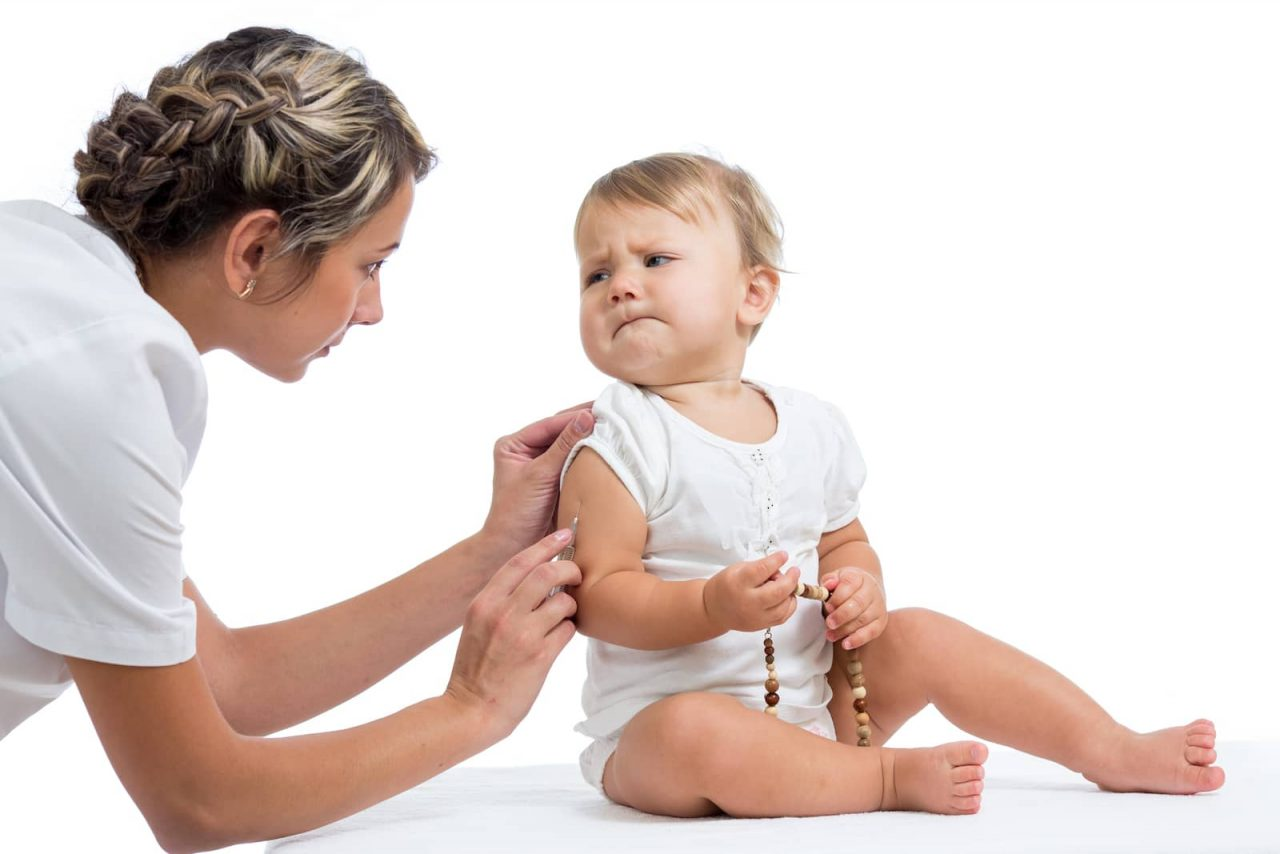 Os pais podem ser os responsáveis pelo medo de agulhas dos filhos
