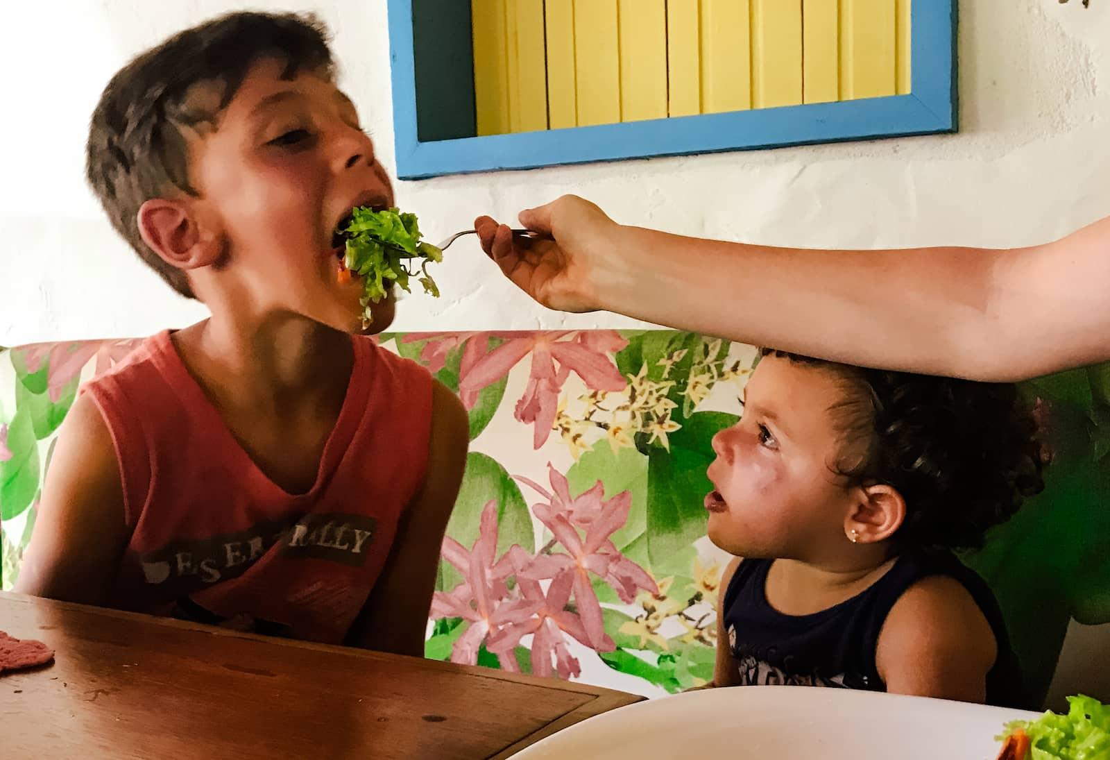 E quando não bate a fome em nossos filhos 2