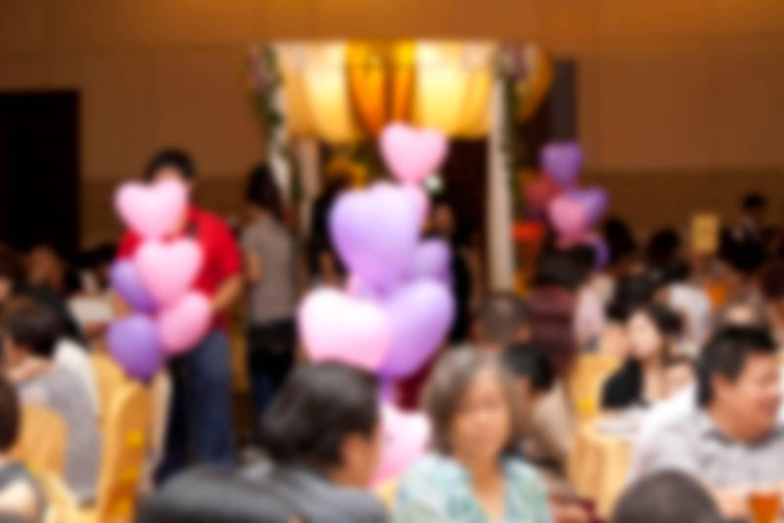 salão de festa com balões