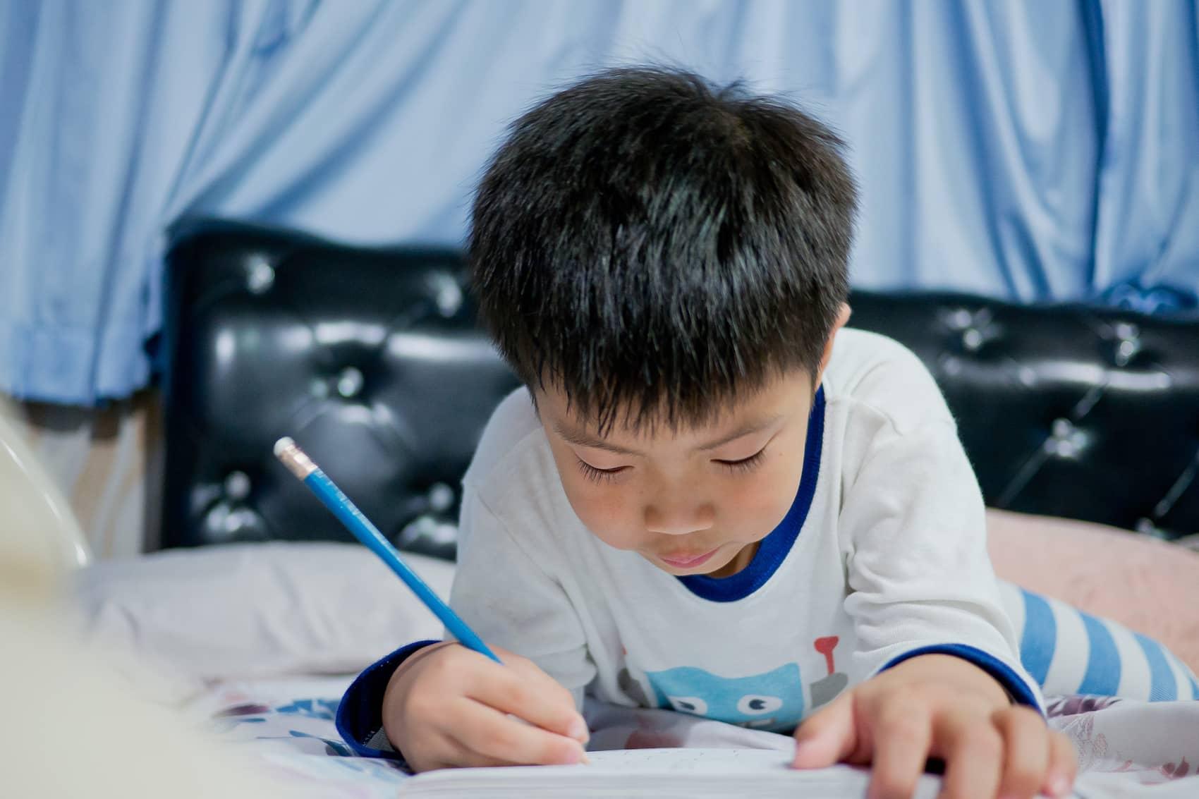 Escrever à mão é benéfico para as crianças 04