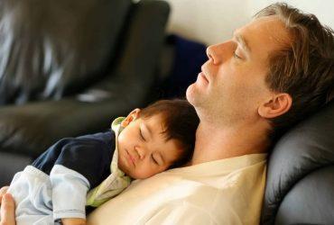 Bebês não devem dormir no peito do pai ou da mãe 2