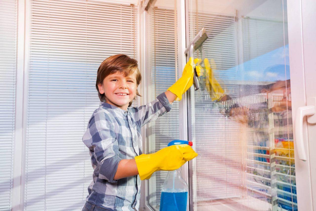 A ciência descobriu a melhor idade para as crianças começarem a fazer tarefas