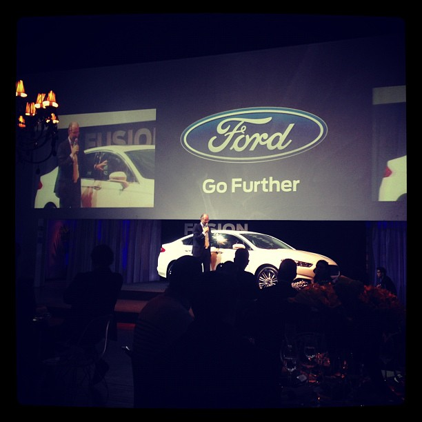 Presidente da Ford falando do